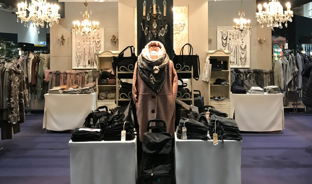 ausstellungen holland more warendorf wohnaccessoires modeaccessoires modeschmuck. Black Bedroom Furniture Sets. Home Design Ideas